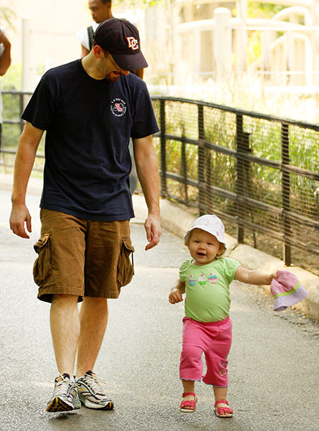 Andrew and Ella walking at the DC Zoo
